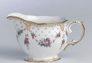 Royal Crown Derby Antoinette Mlecznik 0,15l.