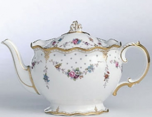 Royal Crown Derby Antoinette Imbryk na herbatę 1,2l.